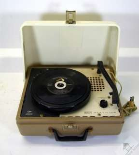 1960s RCA Victor Solid State Portable 4 Speed Victrola Phonograph