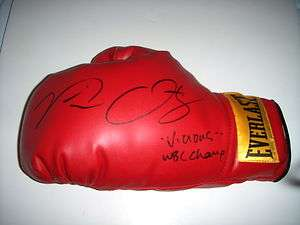 SIGNED BOXING GLOVE (PIC PROOF) INSCRIBED VICIOUS & WBC CHAMP