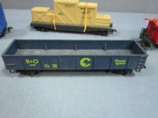 LOT VINTAGE HO SCALE ROLLING STOCK TRAIN CARS AM FLYER, ROCO, TYCO