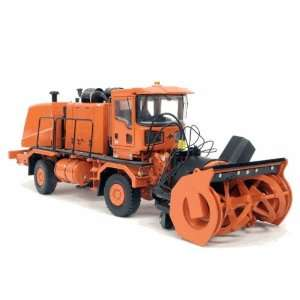 Oshkosh H Series Chassis with HB Series Snow Blower