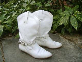 SPUNKY! SUTTON PLAZA Vintage White Leather Cowboy Ankle Boots 8