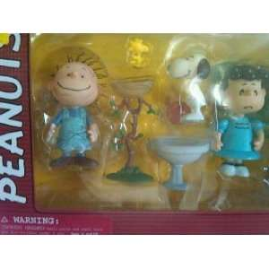 Action Figure 3 Pack with Pig Pen, Snoopy, and Lucy: Toys & Games