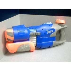 2003 Hasbro, Inc. Hasbro Super Soaker Helix C 2822A Water Squirt Gun