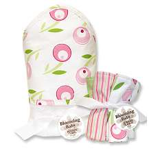 Trend Lab Tulip Hooded Towel & Wash Cloth Bouquet   Trend Lab