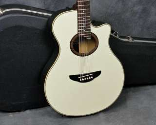Yamaha APX 6 Acoustic/Electric Guitar, White, w/Case