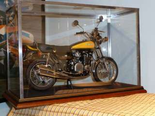 MINICHAMPS ROAD BIKE   GLASS DISPLAY CASE ONLY