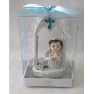 Praying Under Arch Statue Religious Gift Boxed Party Favors CR134W BL