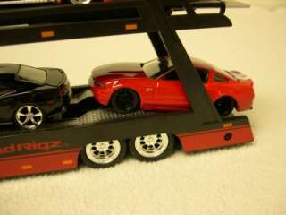 JadaToys Road Rigz Peterbilt Travel Car Traliler Semi Truck 164 Scale